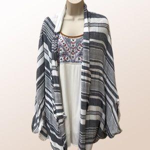 AERIE ♻️ Double Striped Kimono/Batwing Cape